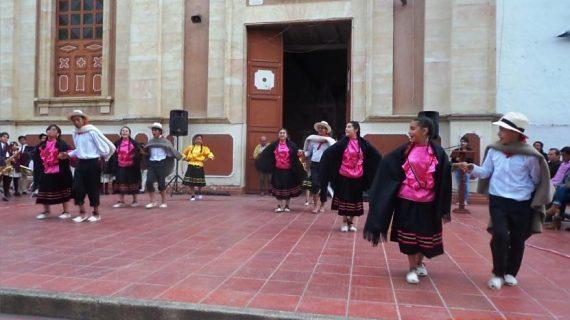 Encuentro pesía Grupo de Danzas_2 Alcaldía Iza