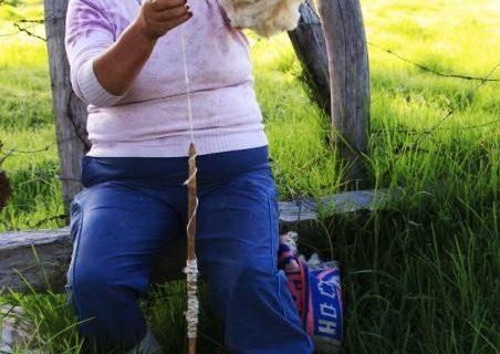 Hilado de la lana de oveja