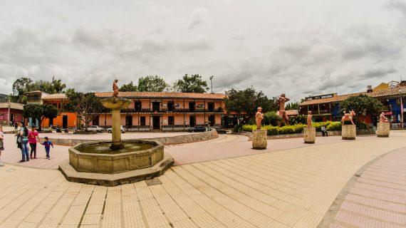 Parque Principal, Ráquira 02