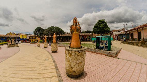 Parque Principal, Ráquira 03