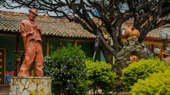 Parque Principal, Ráquira 06